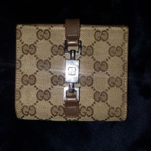 Gucci canvas womens wallet with piston lock